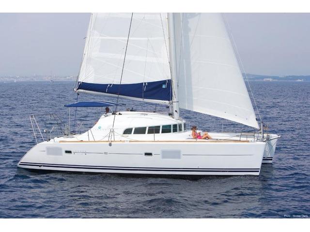 Location Catamaran Lagoon 410 S2 Martinique et Guadeloupe